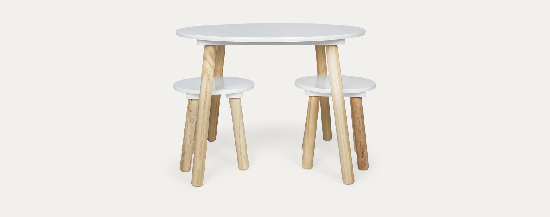 White Jabadabado Table and Stools