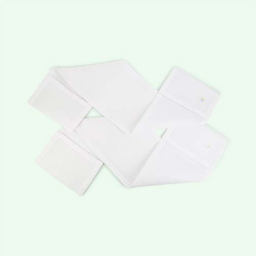 White babybundle Safe Dreams 2 sided Cotwrap Bumper