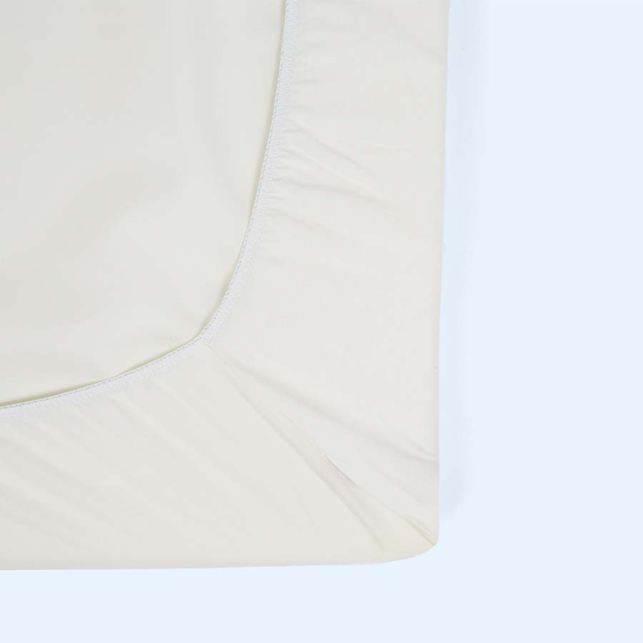 White BabyBjorn Travel Cot Sheet