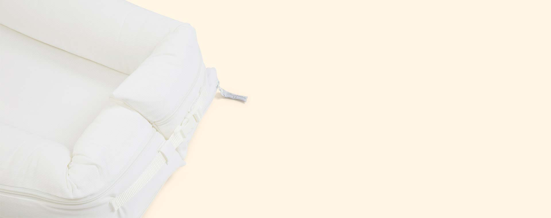 Pristine White Sleepyhead Deluxe+ Baby Pod