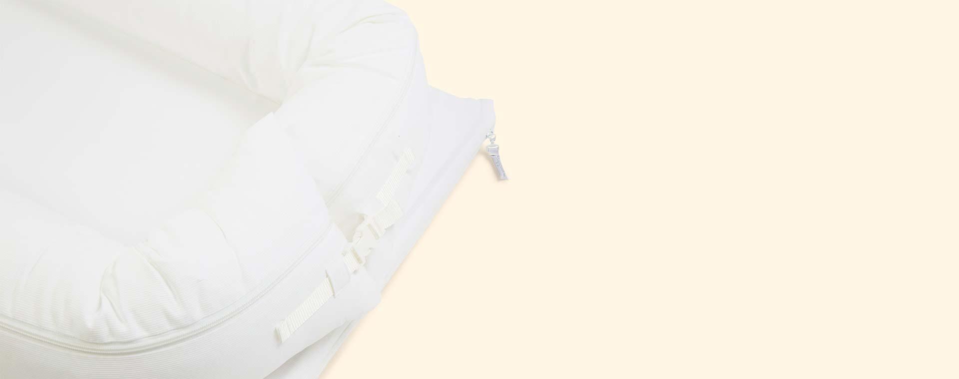 Pristine White Sleepyhead Grand Baby Pod