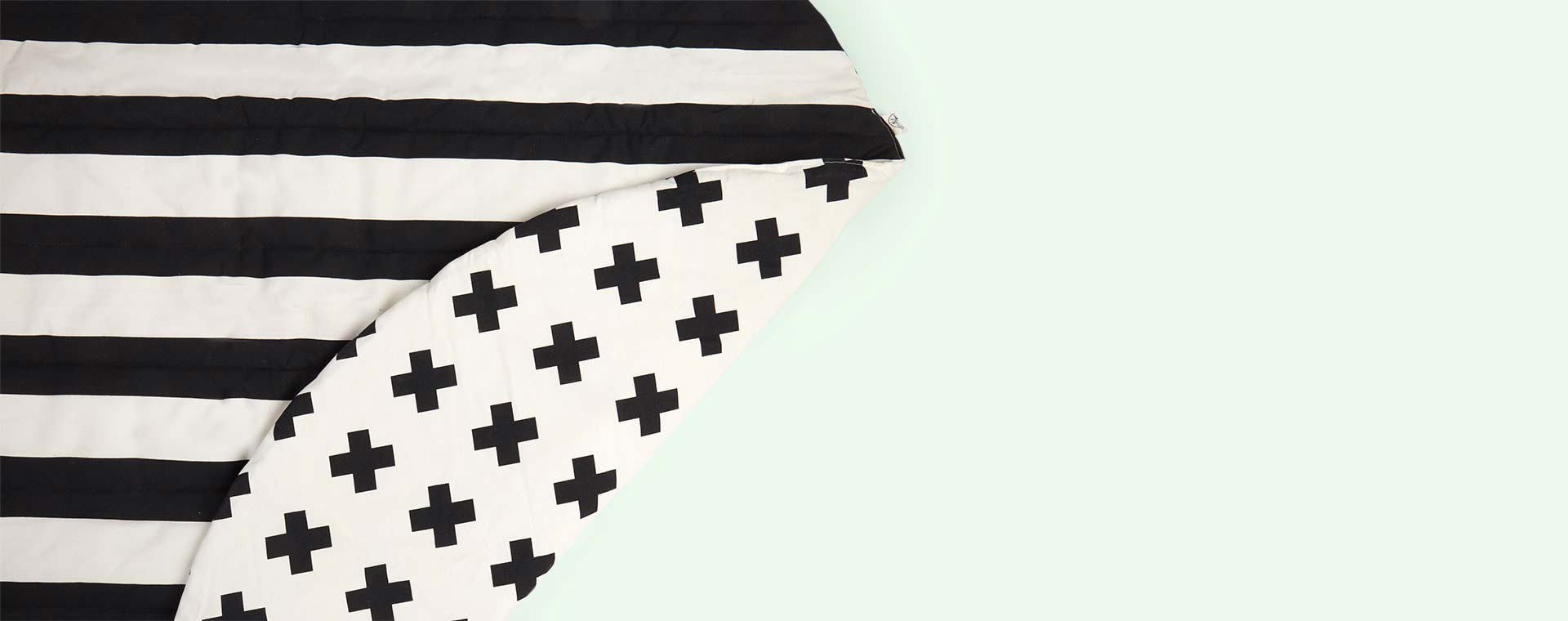 Stripe/Cross Wildfire Teepees Playmat