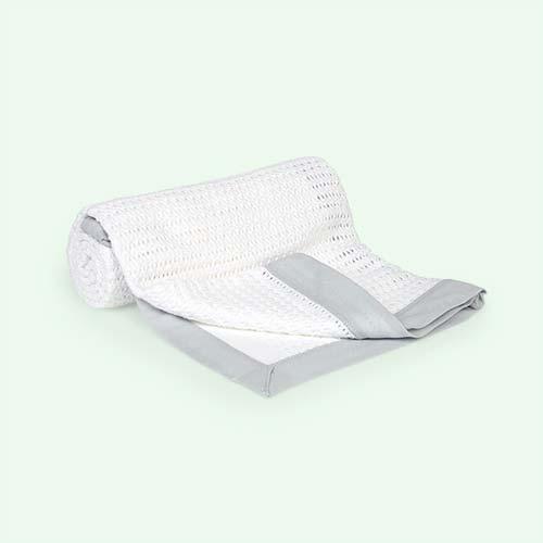 White/Grey Moba Cellular Blanket