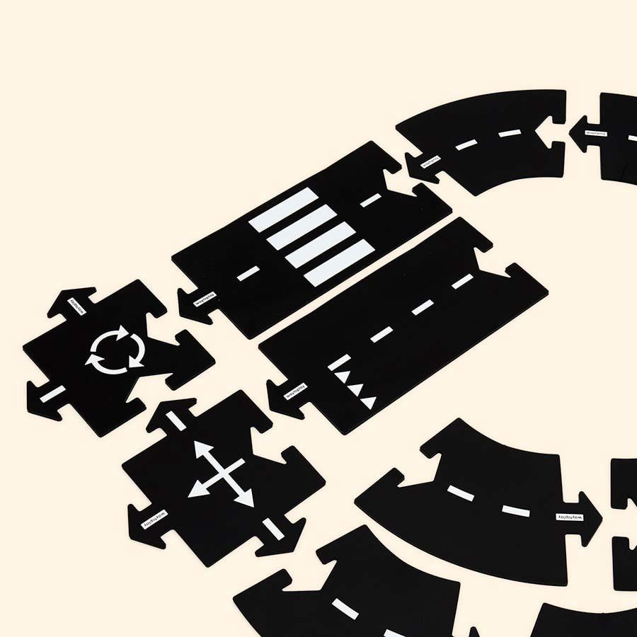 Black waytoplay Ringroad 12 Piece Set