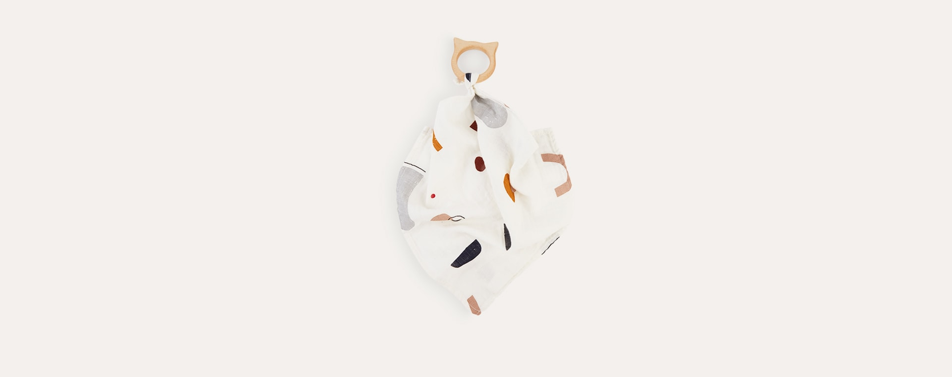 Abstract Off White Liewood Teether Cuddle Cloth