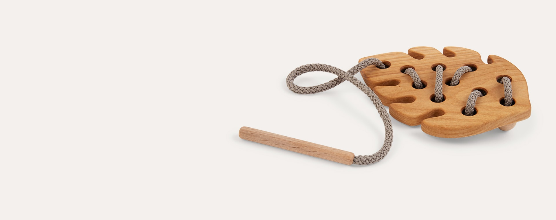 Leaf Blossom & Bear Wooden Lacing Toy