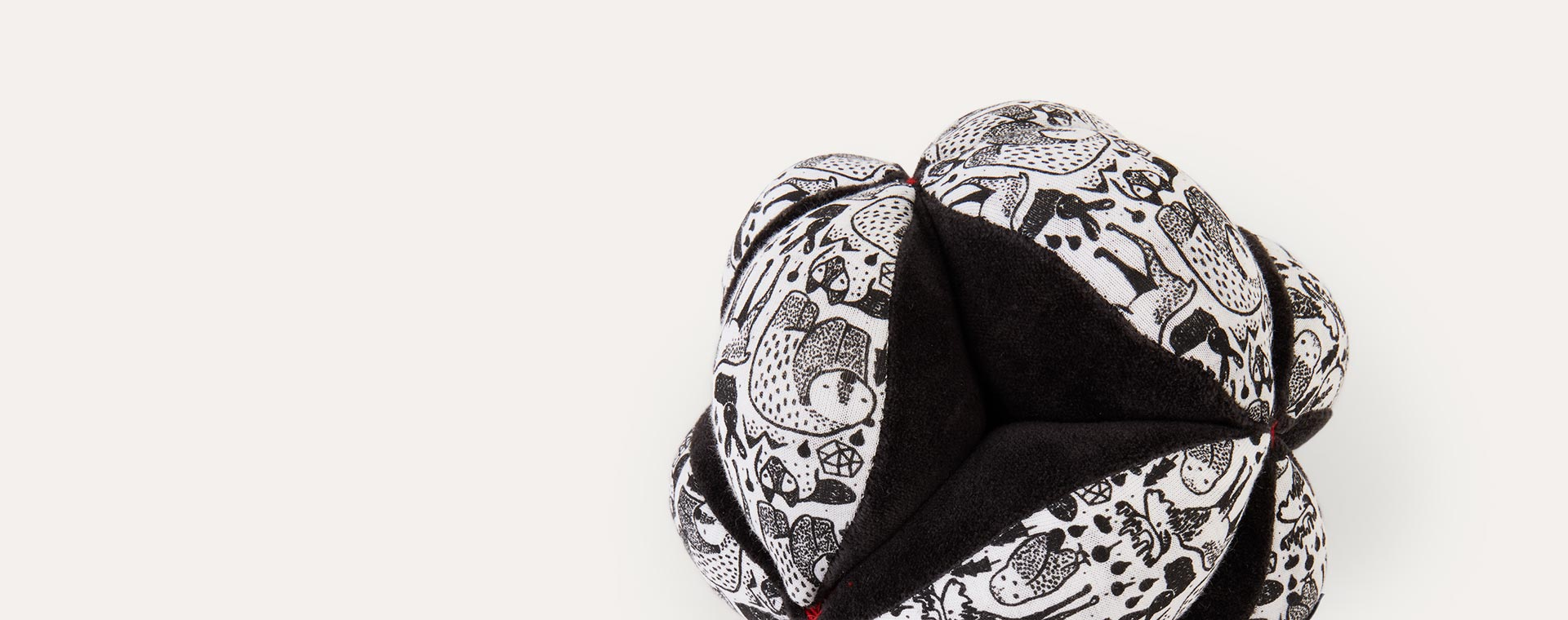 Black Wee Gallery Clutch Ball