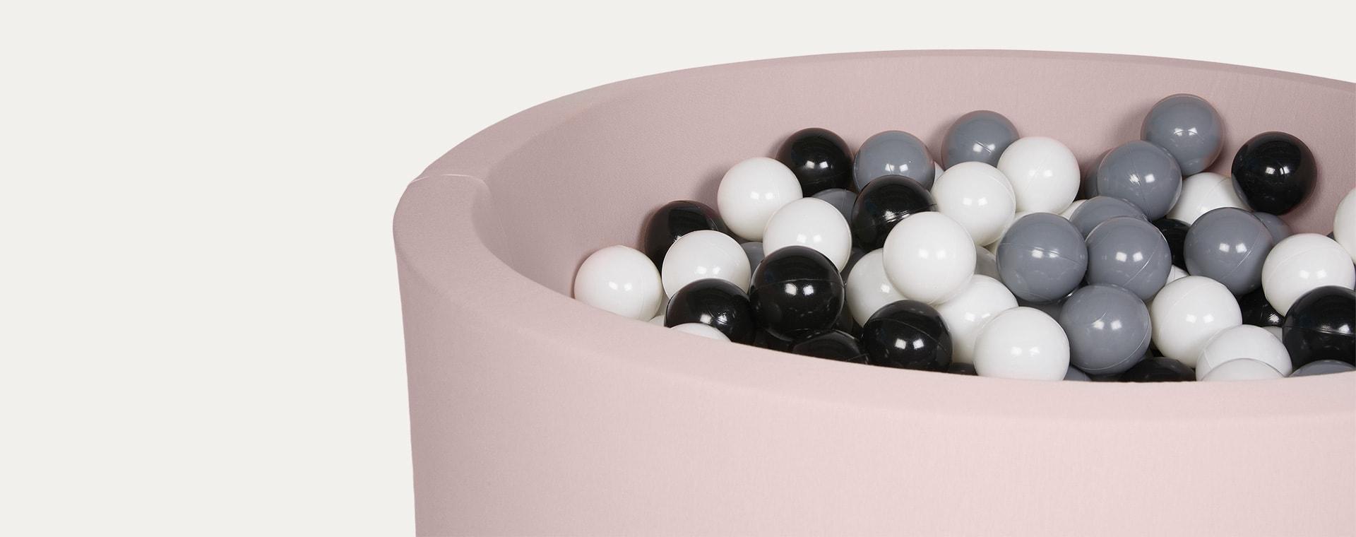 Black/Grey/White Balls Larisa and Pumpkin Organic Cotton Ball Pit