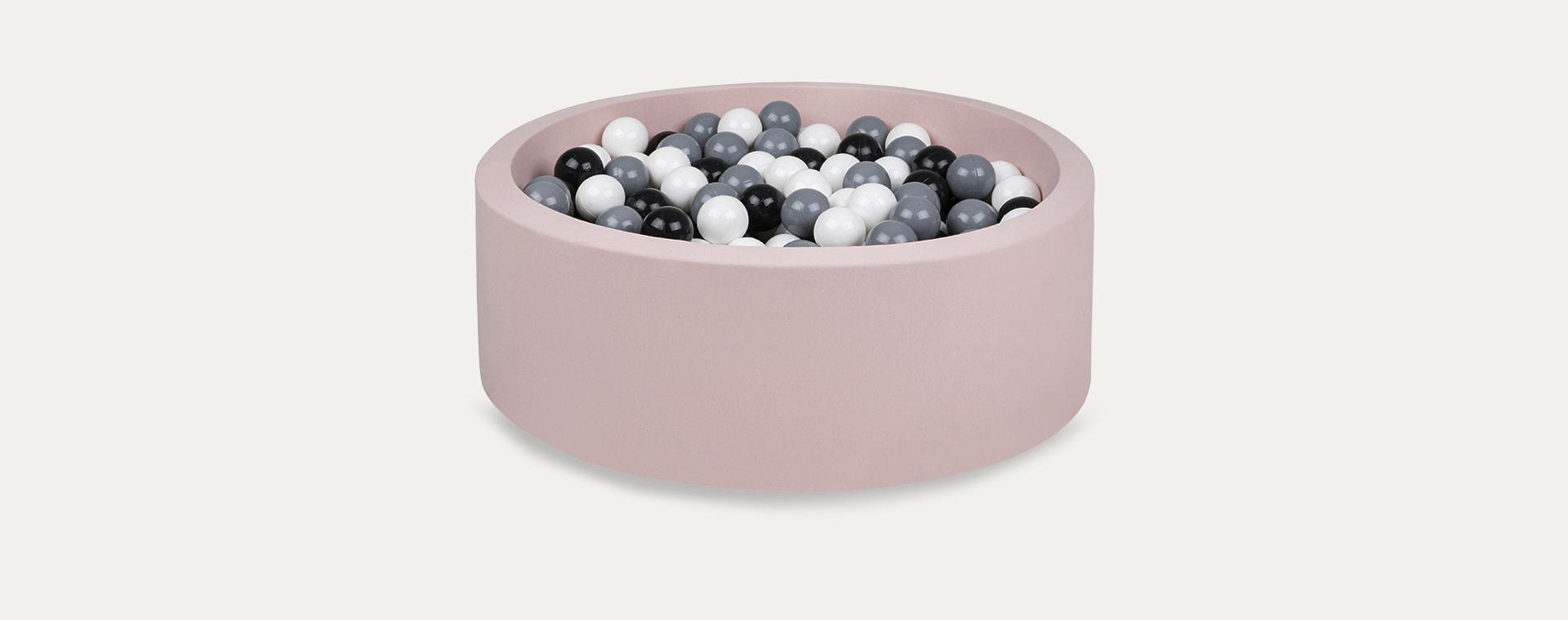 Black/Grey/White Balls Larisa and Pumpkin Ball Pit