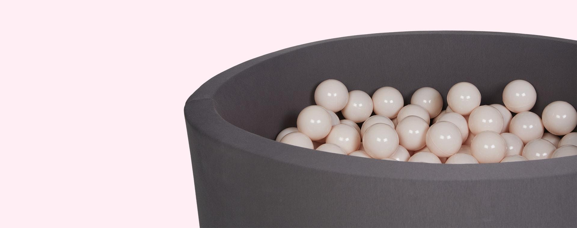 Powder Larisa and Pumpkin Ball Pit Balls